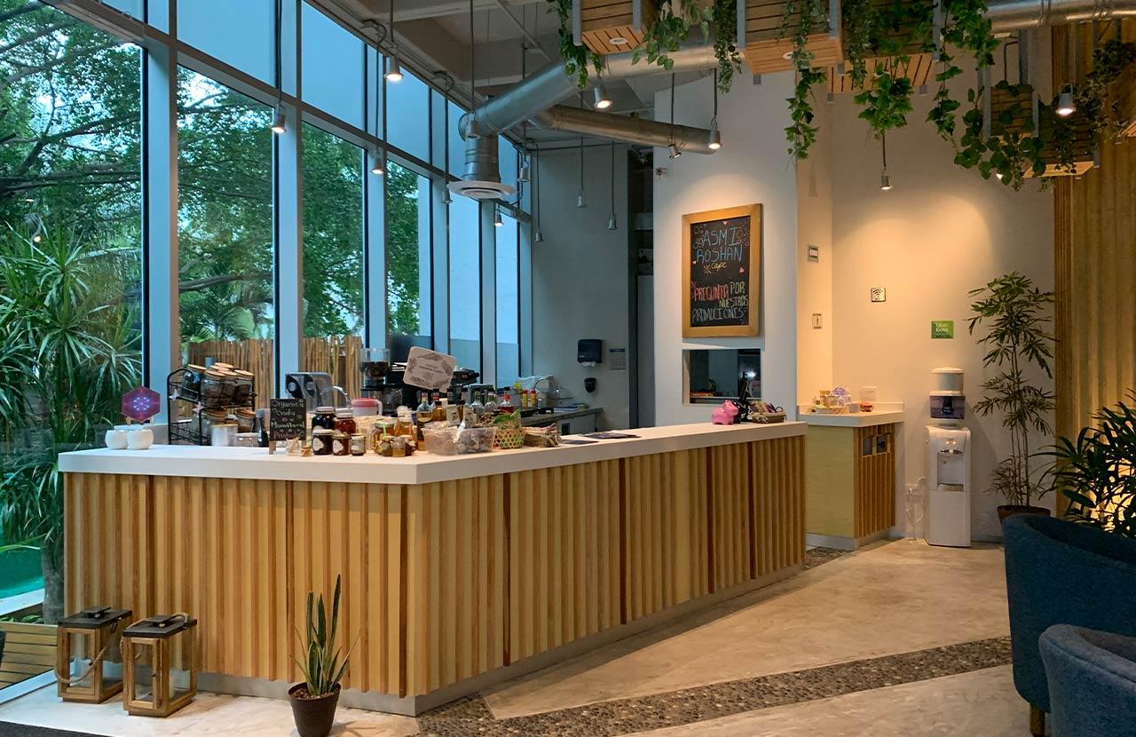 Cafetería Asmi Roshan