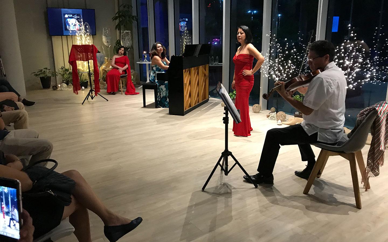 Salón Manana y Tattva en Asmi Roshan